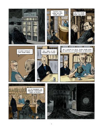 Page 4 R97 - Les hommes à terre