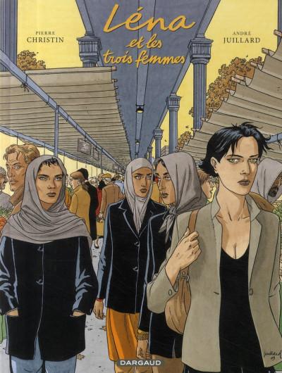 Couverture Léna tome 2 - léna et les trois femmes