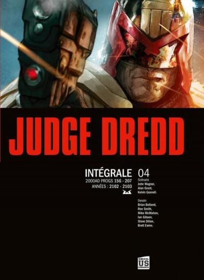 Couverture Judge Dredd - intégrale tome 4