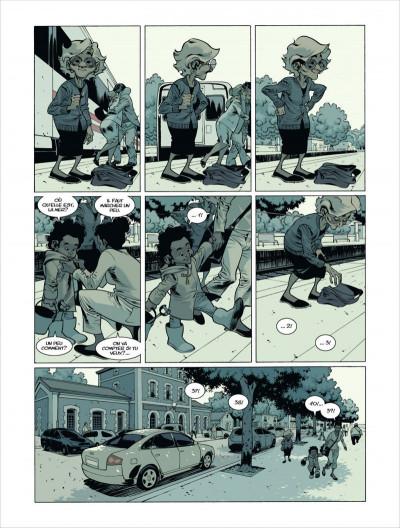 Page 1 Pendant que le roi de prusse faisait la guerre, qui donc lui reprisait ses chaussettes ?