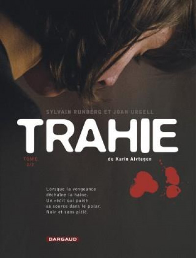 Couverture Trahie tome 2