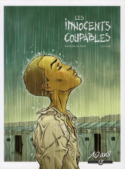 Couverture les innocents coupables tome 1 - la fuite - édition 10 ans grand angle