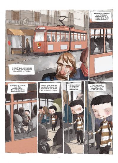 Page 1 Un regard par dessus l'épaule - édition 2015