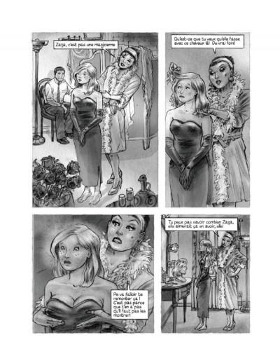 Page 1 La femme aux cartes postales