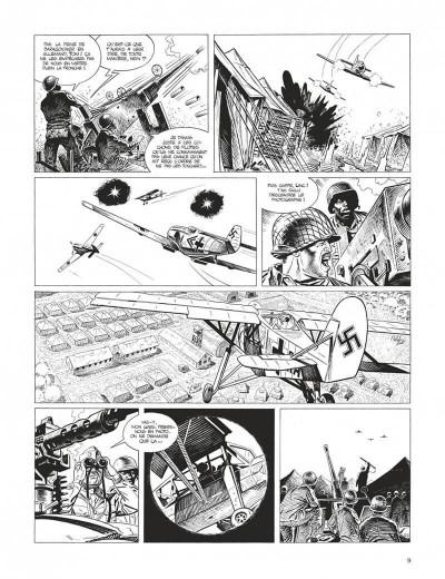 Page 9 Cinq branches de coton noir - grand format n&b