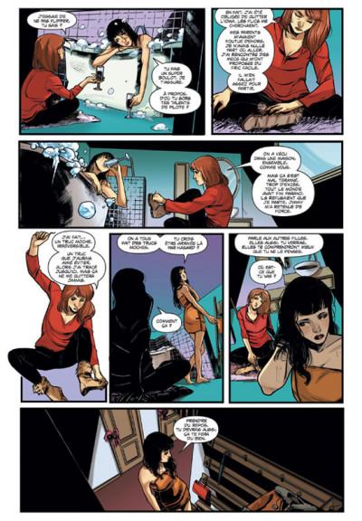 Page 2 Kiss Vampirella