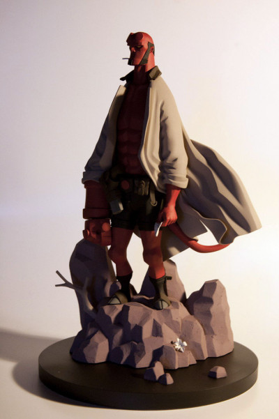 Couverture Figurine Hellboy