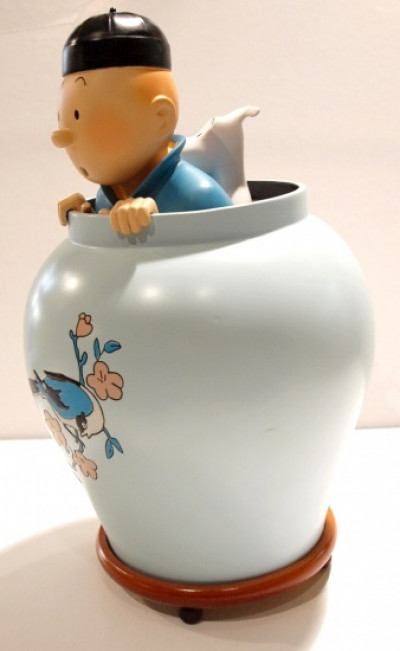 Page 2 Tintin dans la potiche - Le lotus bleu